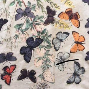 LuLaRoe Tops - Lularoe Butterfly Classic T 🦄